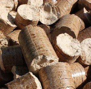 Le bois compressé permet de se chauffer de manière encore plus économique.